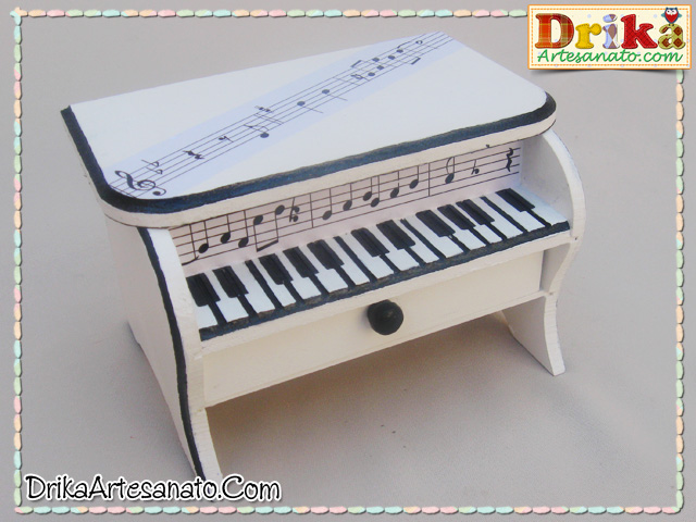 Caixa decorada piano 3