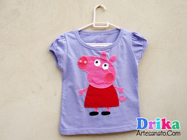 camiseta-com-peppa-pig-em-patch-aplique
